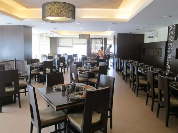 Rajdhani thali restaurant banjara hills hyderabad for Crystal 7 cuisine hyderabad